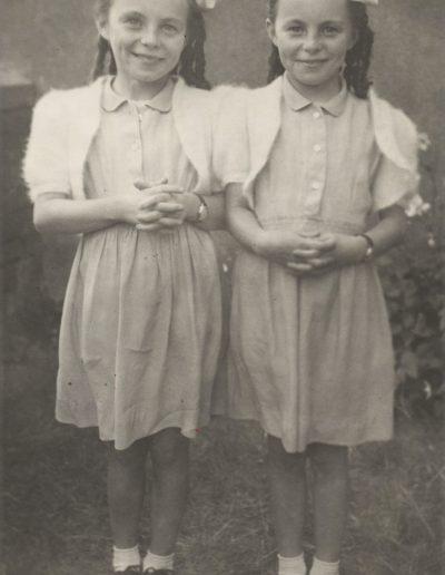 Cheeky Twins 64